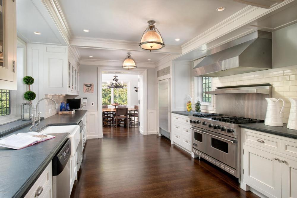 11 Flager Kitchen