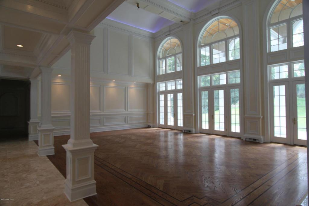 12 Byfield Arched Room