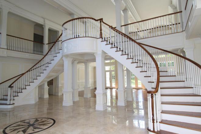 12 Byfield Lane Stairway