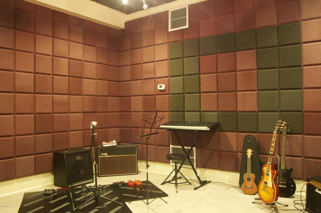 123 Doubkling Sound Proof Room