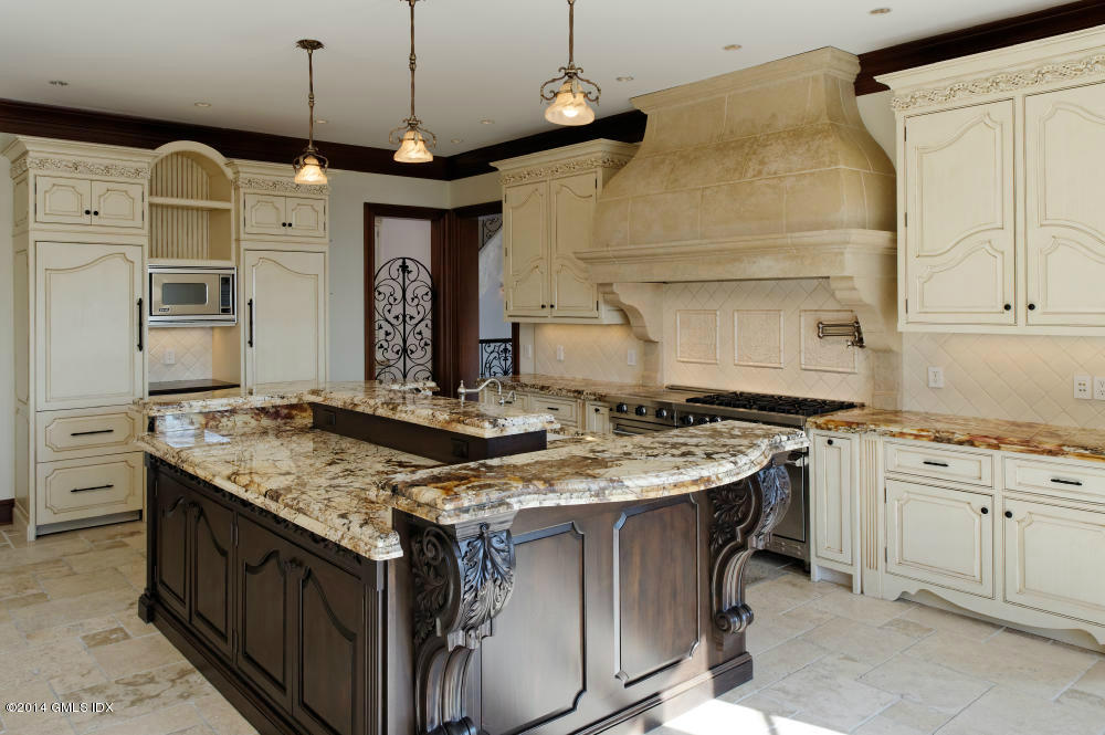 45 Meadow Wood Dr Kitchen