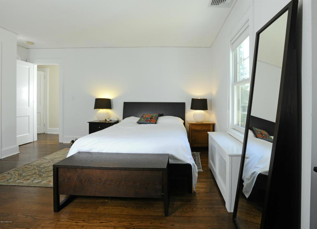 34 Oval Bedroom
