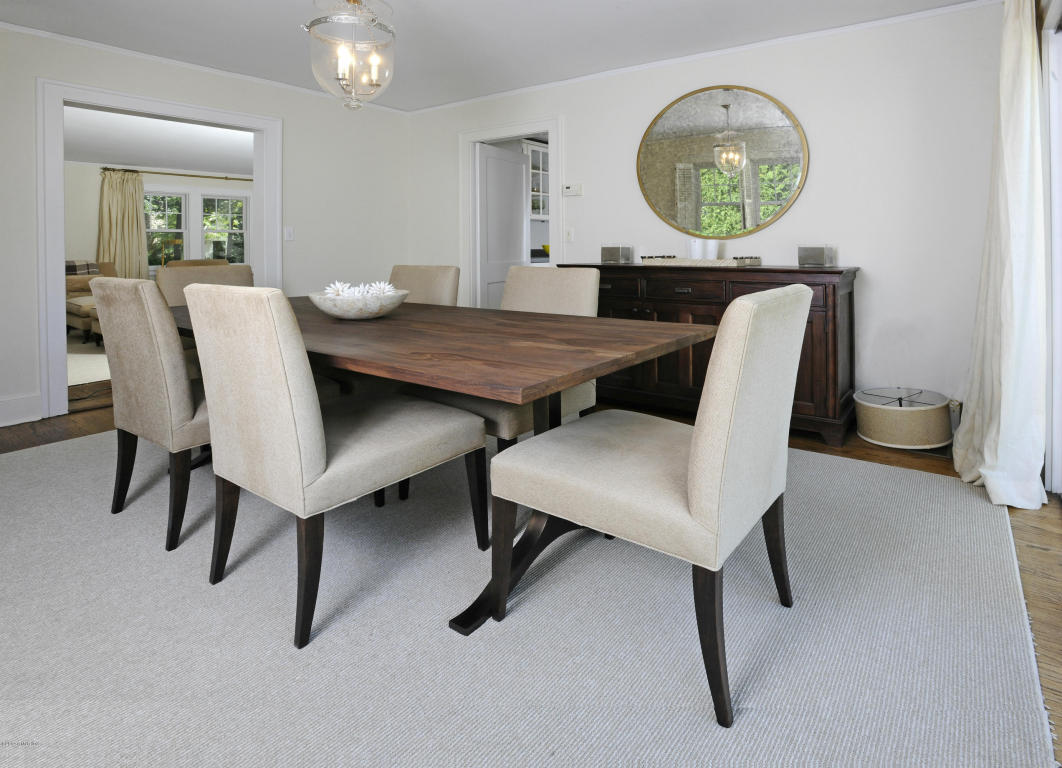 34 Oval Dining