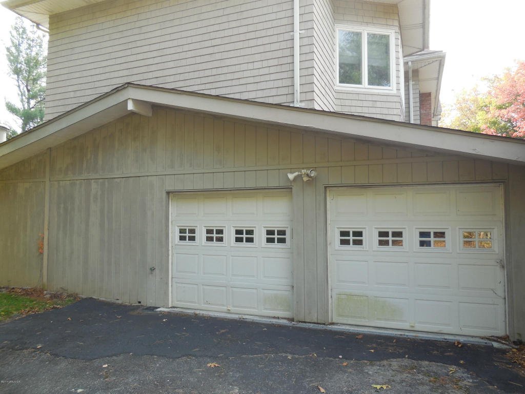 6 Dunwoodie Garage