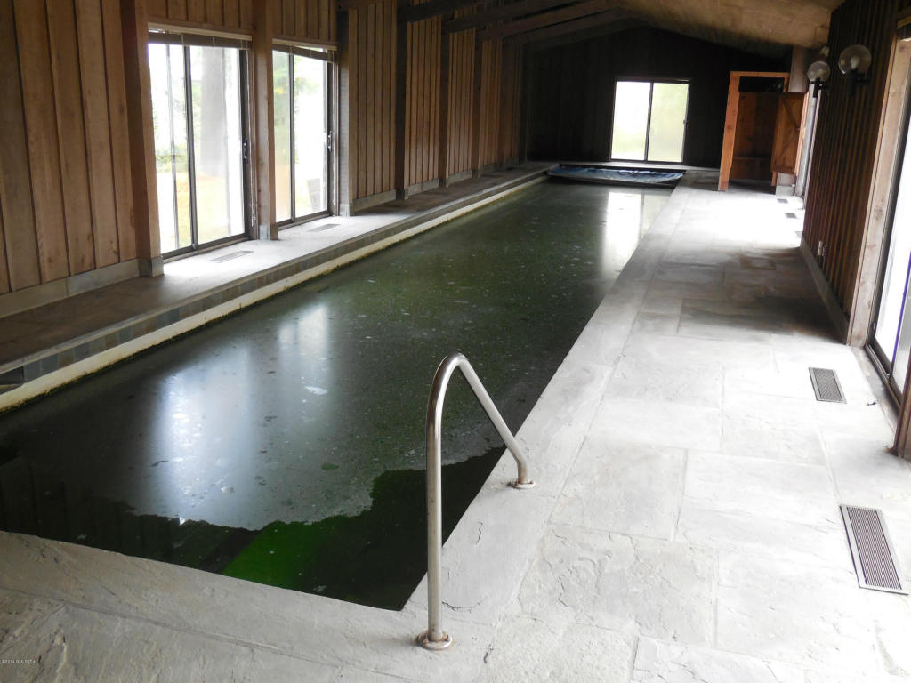 6 Dunwoodie Pool