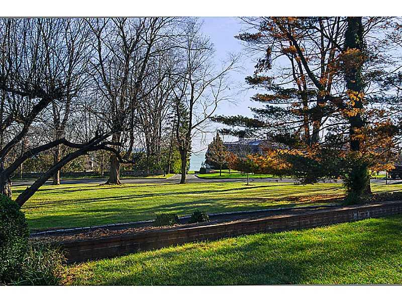 135 Field Point Circle Lot
