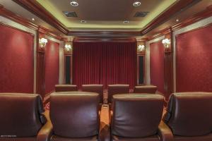 26 Wooddale Theatero